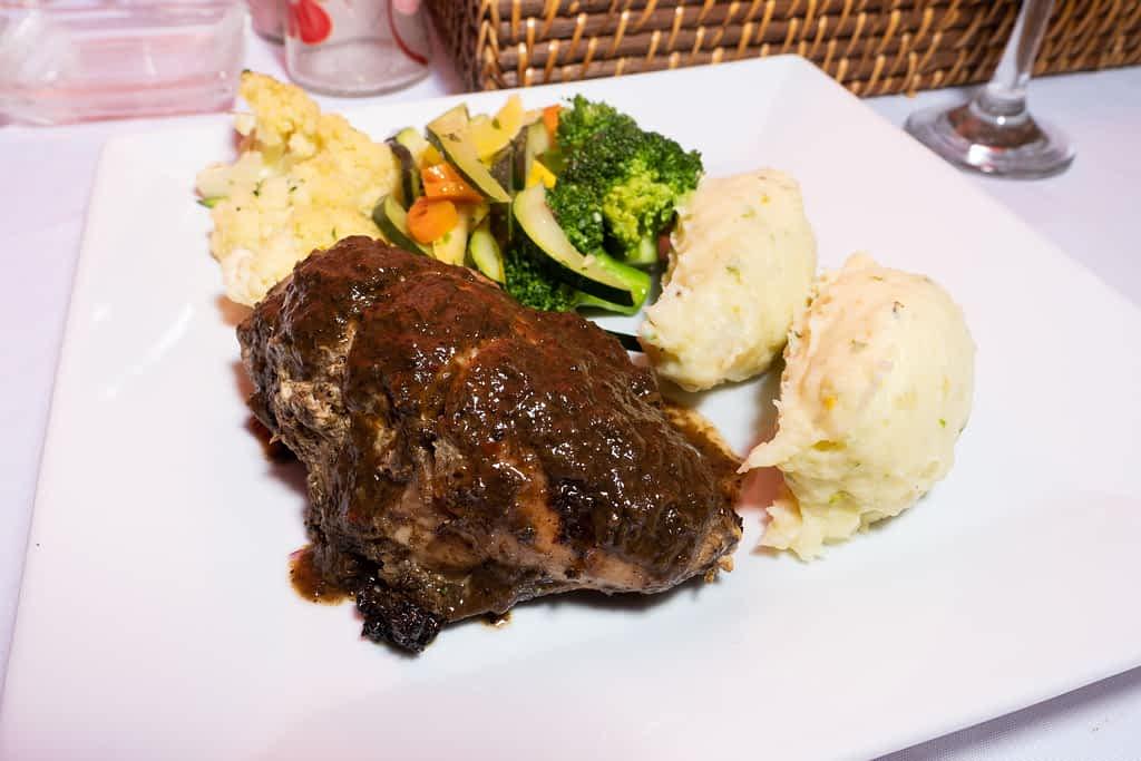 Jamaica villa rental dining