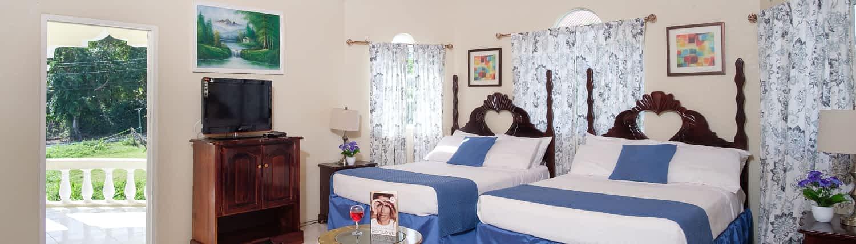 Jamaica villa bedroom sleeps 4/5