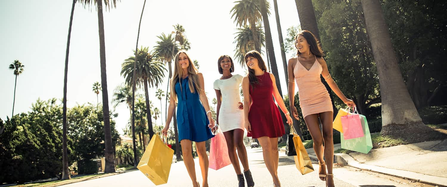 Jamaica villa girl Friends on Vacation shopping together