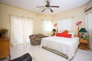 Jamaica villa kingsize bedroom
