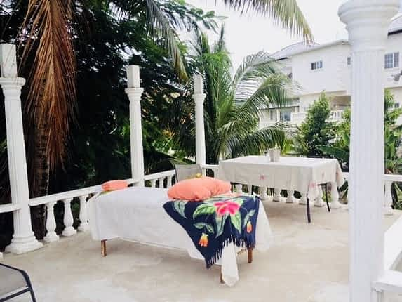 Jamaica villas with massage therapist